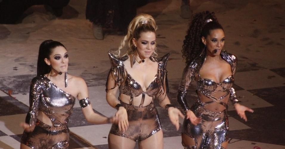"""Isabelle Drummond , Leandra Leal e Taís Araújo fazem a coreografia de ?Vida de Empreguete"""", que cantam em """"Cheias de Charme"""""""