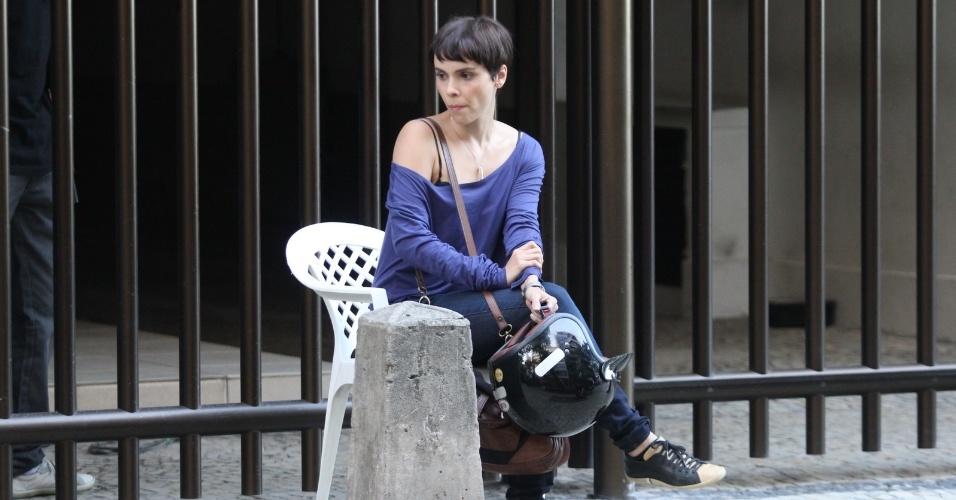 """Débora Falabella gravou cenas de """"Avenida Brasil"""" em Ipanema, zona sul do Rio (20/8/12)"""