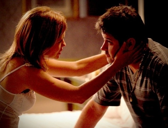 """Em """"Avenida Brasil"""", Tufão nega fogo e Carminha percebe que ele está apaixonado por outra mulher (21/8/12)"""