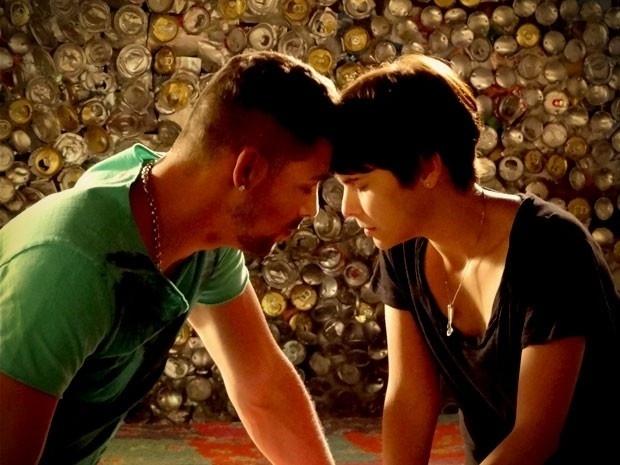 """Em """"Avenida Brasil"""", Jorginho pede perdão e afirma que está do lado de Nina (24/8/12)"""