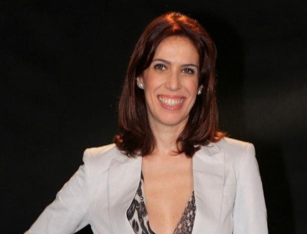 """Maria Clara Gueiros participou da coletiva de apresentação da novela """"Lado a Lado"""", no Projac, zona oeste do Rio (24/8/12)"""