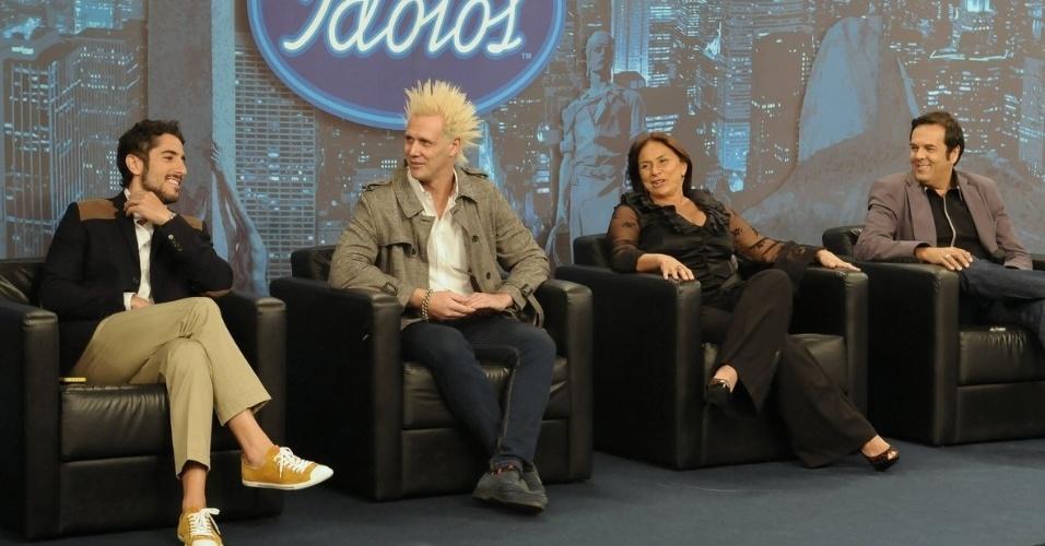 "Apresentador do ""Ídolos"", Marcos Mion participa de entrevista coletiva ao lado dos jurados Supla, Fafá de Belém e Marco Camargo (28/8/12)"