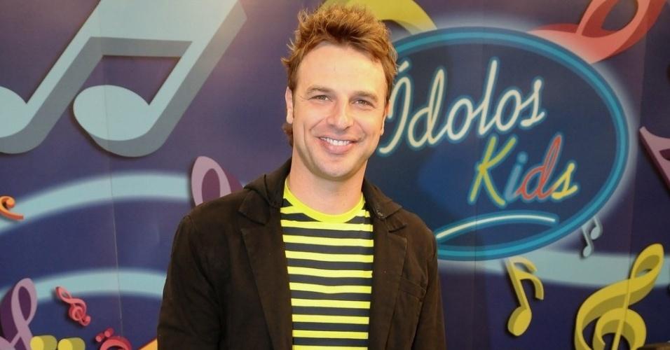 """O apresentador do """"Ídolos Kids"""", Cássio Reis, participa de entrevista em São Paulo para apresentar o programa (28/8/12)"""