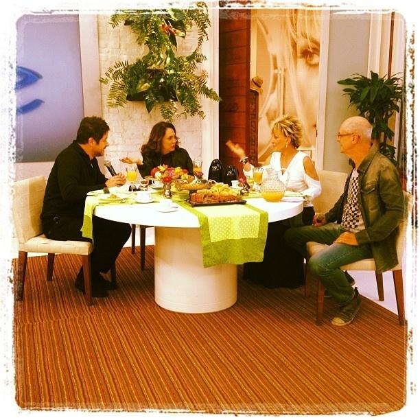 Da esq. à dir., Murilo Benício, Eliane Giardini, Ana Maria Braga e Marcos Caruso no programa
