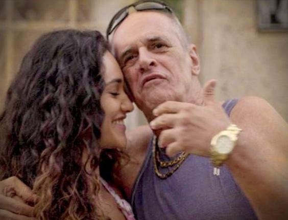 """Em """"Avenida Brasil"""", Tessália reata com Leleco (30/8/12)"""