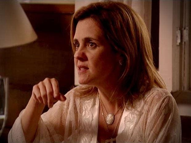 """Em """"Avenida Brasil"""", Carminha declara guerra contra Nina (31/8/12)"""