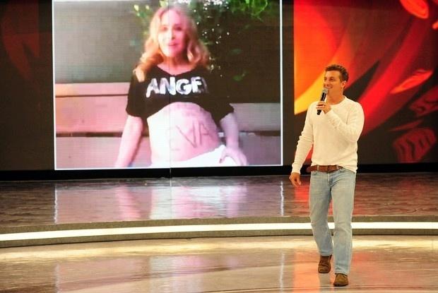 Angélica homenageia o marido, Luciano Huck, durante quadro especial no programa