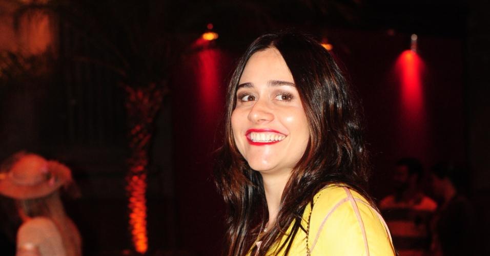 """A atriz Alessandra Negrini diz que adora atuar em novela de época. Em """"Lado a Lado"""", ela viverá uma cantora lírica (1/9/12)"""