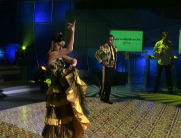 """Claudia Ohana e Patrick Carvalho dançam paso doble na primeira parte da final da """"Dança dos Famosos"""" (2/9/12)"""