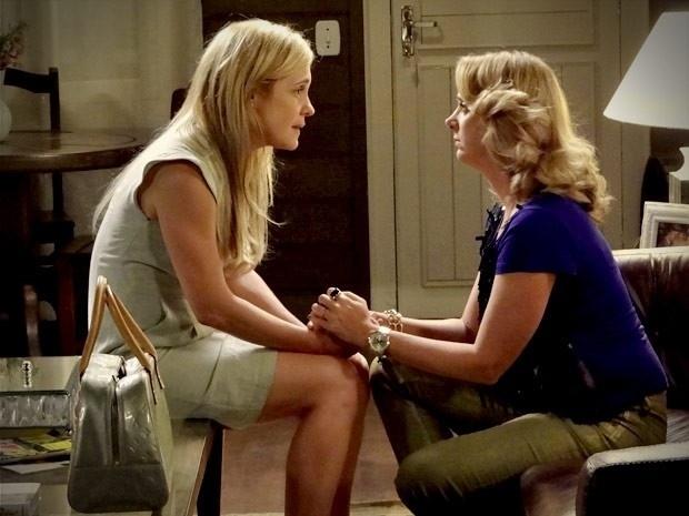 """Em """"Avenida Brasil"""", Ivana dá a entender para Carminha que Tufão está apaixonado por outra (3/9/12)"""