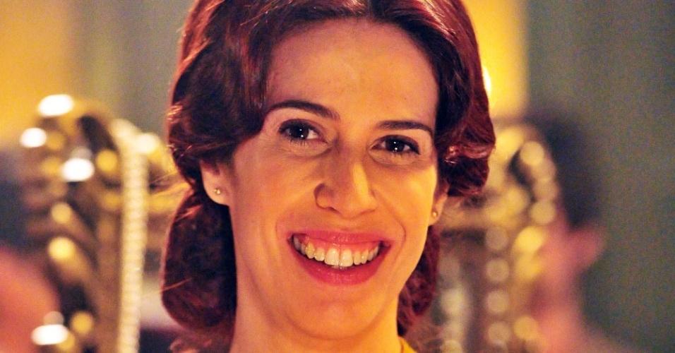 """Maria Clara Gueiros é Neusinha em """"Lado a Lado"""""""