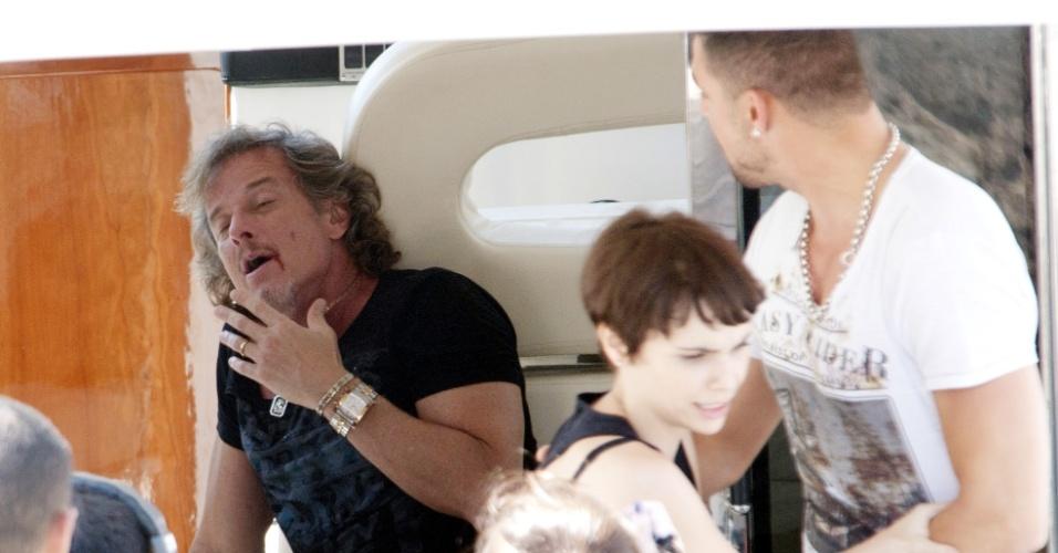 """Em """"Avenida Brasil"""", Max tenta agredir Nina, que é salva por Jorginho (6/9/12)"""