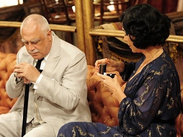 """Em """"Gabriela"""", coronel Ramiro pede para Maria Machadão em casamento (6/9/12)"""