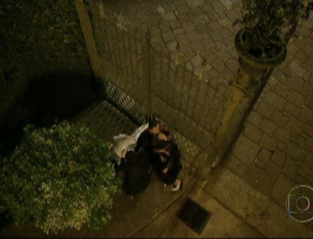 """Em """"Amor Eterno Amor"""", o espírito de Melissa sai do corpo e se transforma em uma fumaça preta (7/9/12)"""