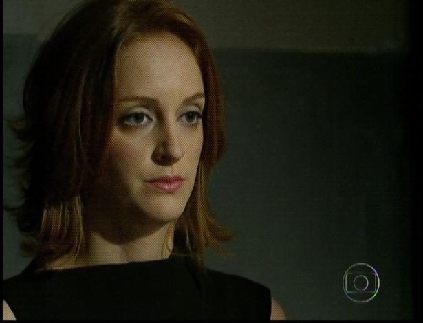 """Em """"Amor Eterno Amor"""", Priscila visita Dimas na cadeia e afirma que o pai é um homem bom por ter salvado a vida de Rodrigo (7/9/12)"""