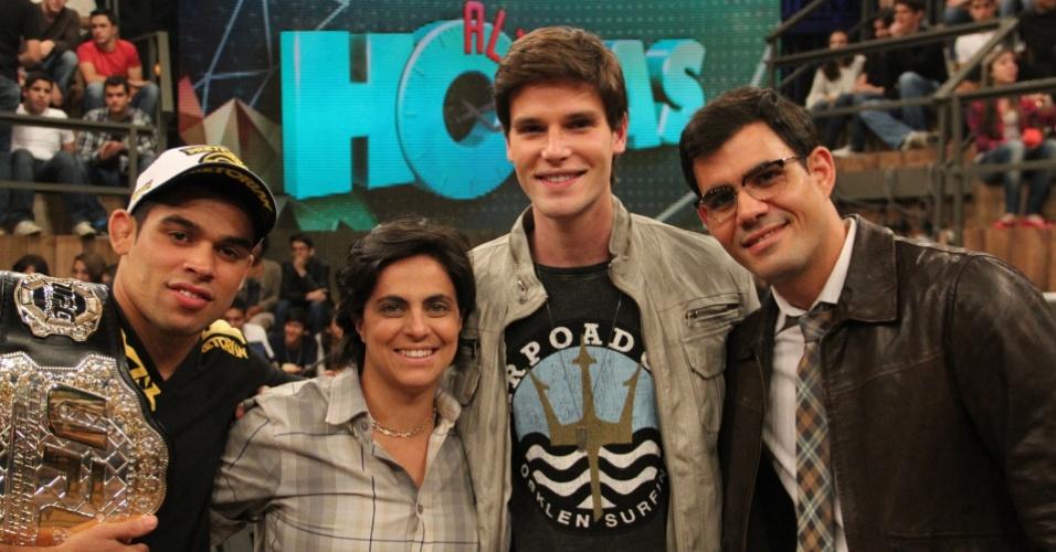 """Renan Barão, Juliano Cazarré, Thammy Miranda e Jonatas Faro no """"Altas Horas"""" (8/9/2012)"""