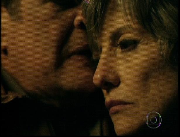 """Em """"Amor Eterno Amor"""", Dimas diz a Melissa que não deixaria ela atirar em mais ninguém (7/9/12)"""