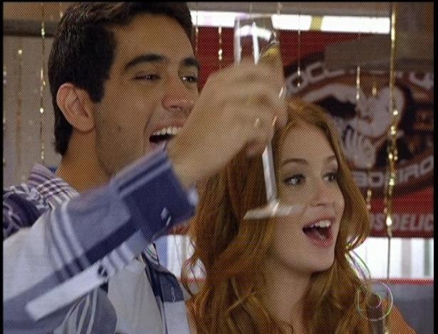 """Em """"Amor Eterno Amor"""", Juliana e Bruno comemoram a abertura de novo restaurante (7/9/12)"""