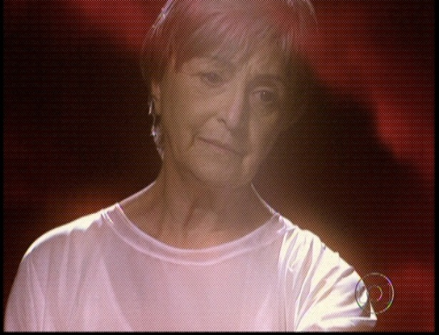 """Em """"Amor Eterno Amor"""", Verbena estende a mão para ajudar Melissa, mas a vilã não aceita (7/9/12)"""