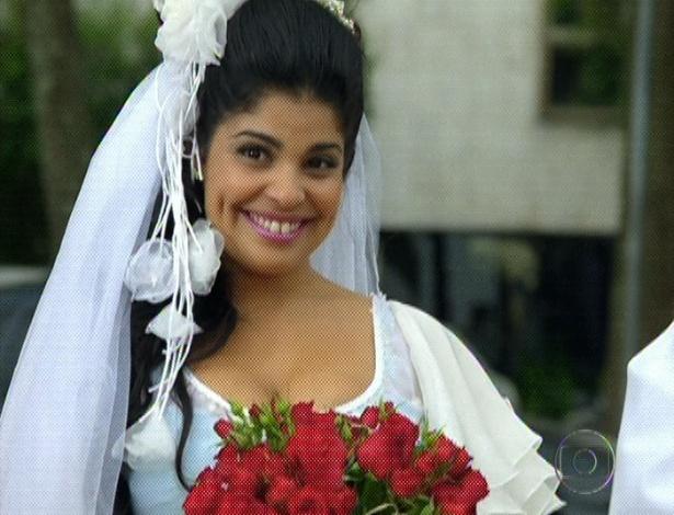 """Em """"Amor Eterno Amor"""", vestida de noiva, Gracinha espera Pedro (7/9/12)"""