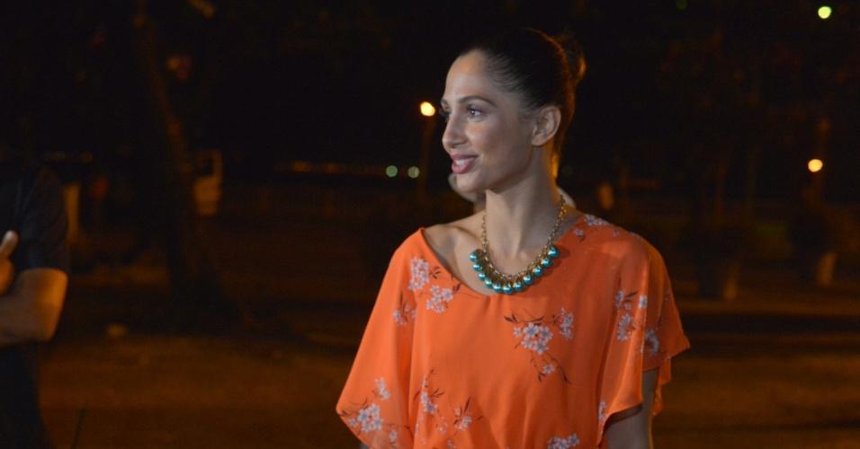 """A atriz Camila Pitanga assistiu ao primeiro capítulo da novela """"Lado a Lado"""" na churrascaria Porcão, no Aterro do Flamengo, no Rio (10/9/12)"""