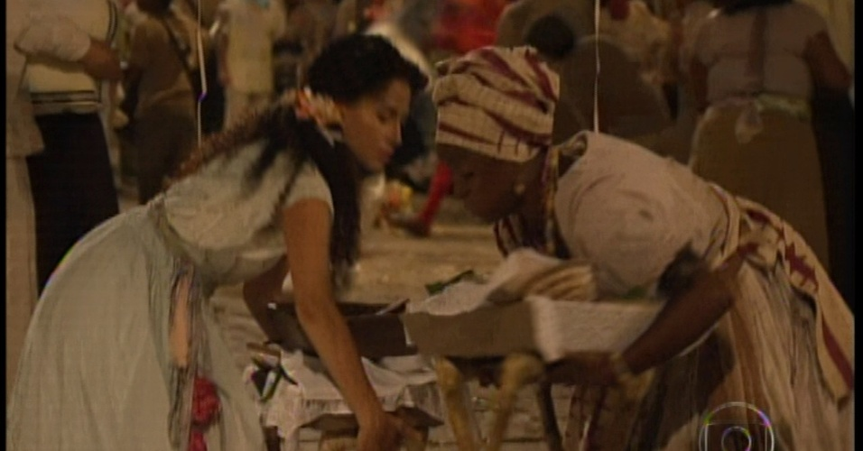 Isabel odeia capoeira e se afasta do local do Carnaval