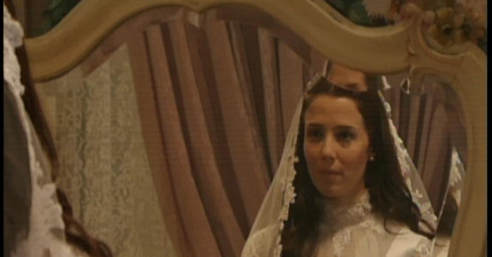 Laura não gosta dos palpites de sua mãe