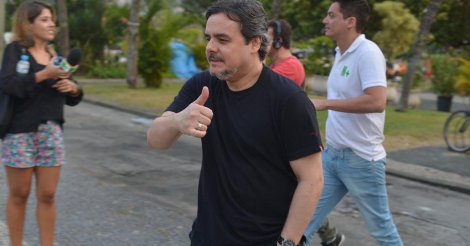 """O ator Cassio Gabus Mendes assistiu ao primeiro capítulo da novela """"Lado a Lado"""" na churrascaria Porcão, no Aterro do Flamengo, no Rio (10/9/12)"""