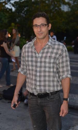 """O ator Tuca Andrada assistiu ao primeiro capítulo da novela """"Lado a Lado"""" na churrascaria Porcão, no Aterro do Flamengo, no Rio (10/9/12)"""