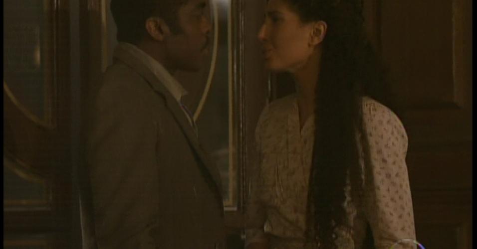 Zé Maria leva Isabel a um restaurante chique