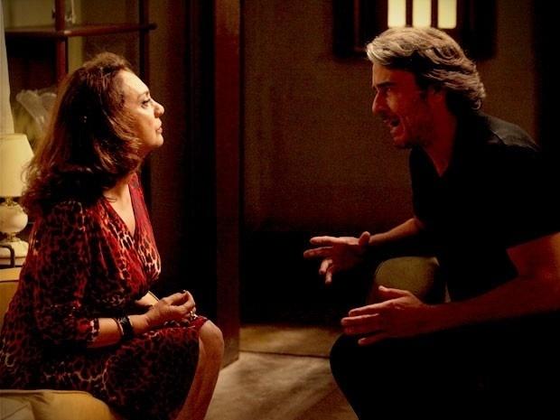 """Em """"Avenida Brasil"""", Cadinho confessa para Muricy que tem um dinheiro escondido na Suíça (11/9/12)"""