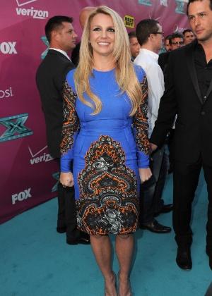 """Britney Spears chega á pré-estreia de """"X Factor"""" com um vestido azul (2/9/12)"""