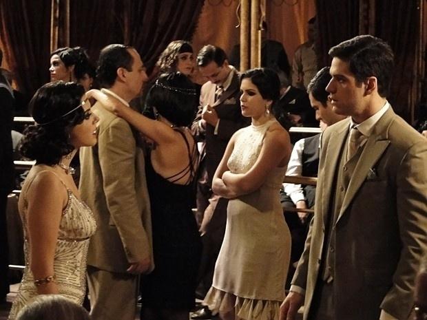 """Em """"Gabriela"""", Juvenal e Lindinalva ficam frente a frente no Bataclã (12/9/12)"""