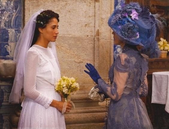 """Em """"Lado a Lado"""",  abandonada no altar, Isabel deixa a igreja chorando, mas pela porta da frente"""