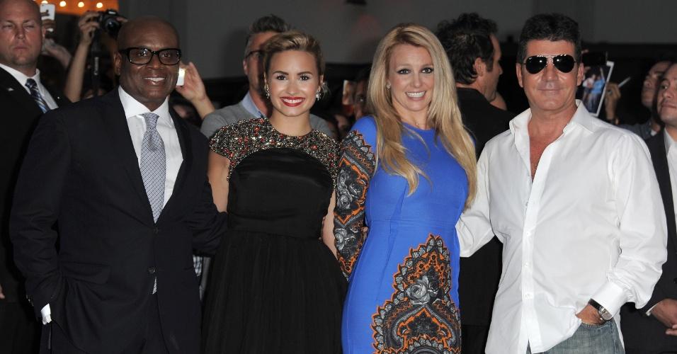 "L.A. Reid, Demi Lovato, Britney Spears e Simon Cowell posam juntos na pré-estreia do reality ""X Factor""  (12/9/12)"