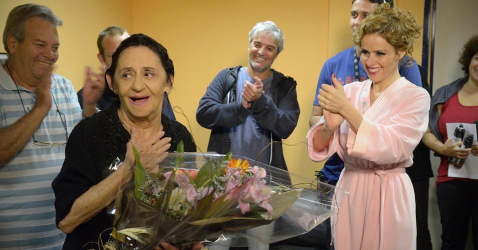 """Laura Cardoso faz 85 anos e recebe homenagem da produção de """"Gabriela"""" (13/9/12)"""