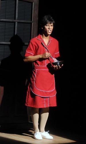 "Wendell Bendelack interpreta ""Menina"", paródia de Nina, em ""Novela Brasil"" (12/9/12)"