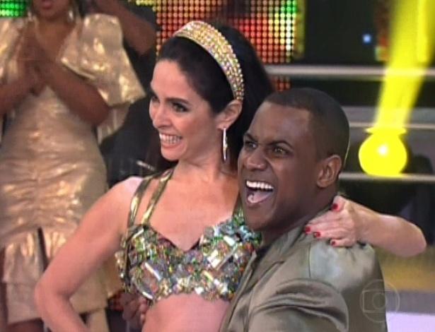 """Claudia Ohana e Patrick Carvalho dançam """"Beije-me"""" na final da """"Dança dos Famosos"""". O ritmo encerra a competição neste domingo (16/9/12)"""