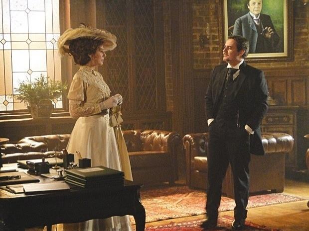 """Em """"Lado a Lado"""", Constância pede a Bonifácio um cargo político para o marido (17/9/12)"""