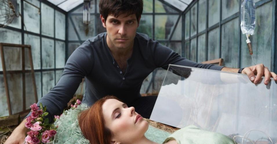 Nick (David Giuntoli) e Juliette (Bitsie Tulloch) em cena da segunda temporada de Grimm