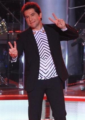 https://tv.i.uol.com.br/album/2012/09/18/o-cantor-daniel-um-dos-jurados-do-show-na-apresentacao-do-the-voice-brasil-para-a-imprensa-18912-1347994200997_300x420.jpg