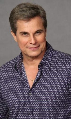 Edson Celulari viverá um dos papeis principais da novela, sendo o sobrinho da personagem interpretada por Irene Ravache (19/9/12)