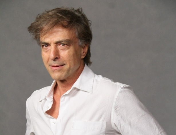 "O ator Carlos Alberto Ricceli estará na trama de ""Guerra dos Sexos"" e participou de coletiva realizada no Rio de Janeiro (19/9/12)"