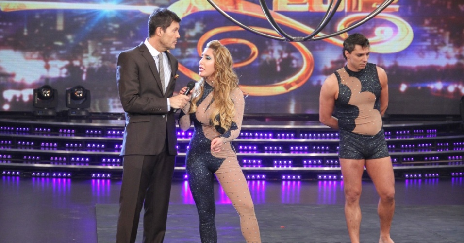 ... e o caso da amante foi explorado pelo apresentador Marcelo Tinelli, em provocações entre a jurada e a participante.