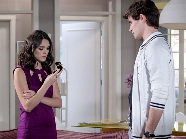 """Em """"Cheias de Charme"""", Conrado pede Cida em casamento, mas ela diz não e termina o namoro (20/9/12)"""