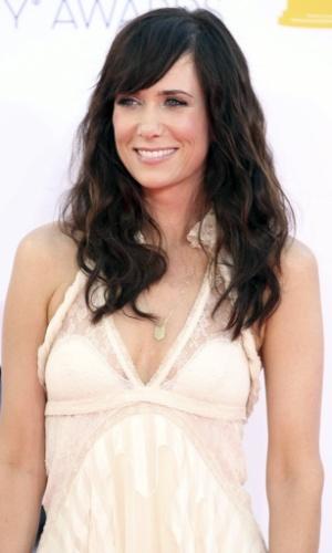 A atriz Kristen Wiig chega à 64ª edição do Emmy Awards, em Los Angeles, nos EUA (23/9/12)