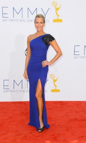 Lara Spencer chega à 64ª edição do Emmy Awards, em Los Angeles, nos EUA (23/9/12)