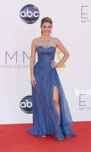 Maria Menounos  chega à 64ª edição do Emmy Awards, em Los Angeles, nos EUA (23/9/12)