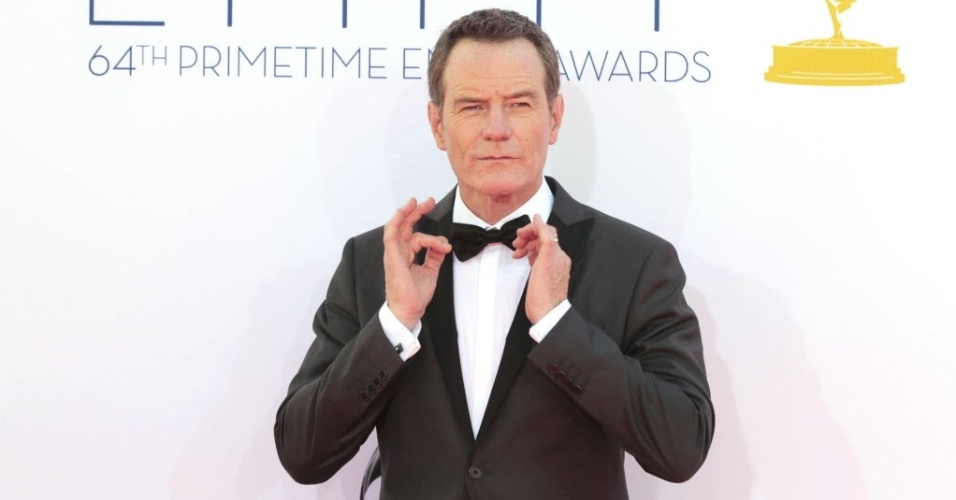 """O ator Bryan Cranston, de """"Breaking Bad"""", chega à 64ª edição do Emmy Awards, em Los Angeles, nos EUA (23/9/12)"""