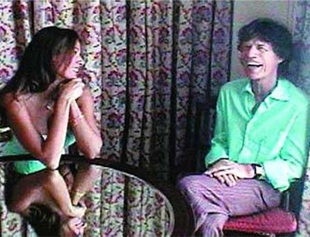 """A apresentadora Luciana Gimenez entrevistou o cantor Mick Jagger para o programa """"SuperPop"""" (2006)"""